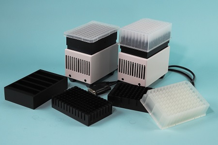Compact chilling/heating dry bath for robotic systems